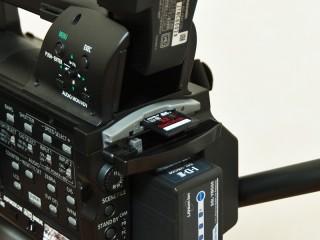 Panasonic AG-HMC155 SDカード挿入部