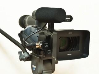 Panasonic AG-HMC155 フロントビュー